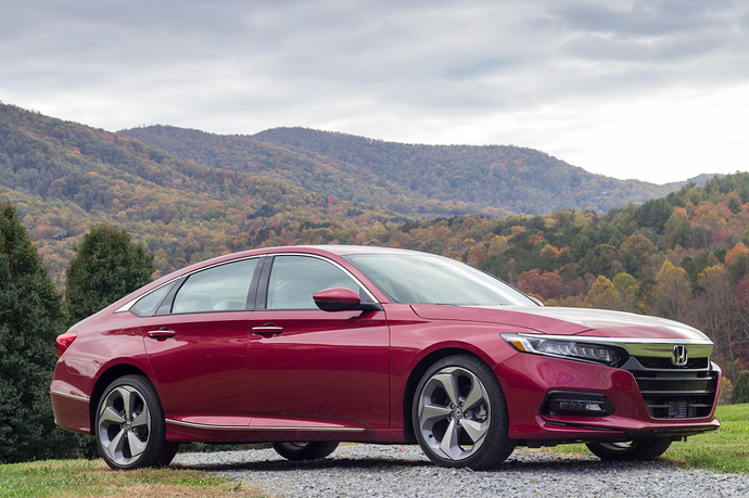 2018-honda-accord-sdn_100632817_l
